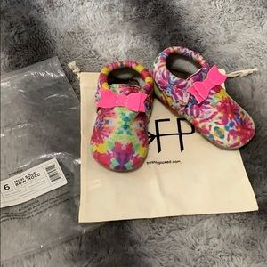 Freshly Picked Tie Dye bow Moccasins